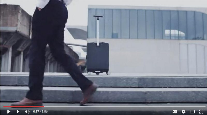 COWAROBOT R1, the robotic suitcase that follows you