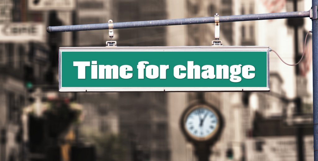 TIME FOR CHANGE - How to go from an unknown coach to a client magnet in 5 months